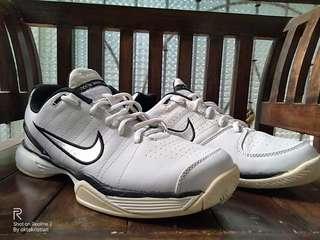 Nike Zoom Vapor Club size 44 by Okto Preloved Tennis Shoes Sepatu Tenis