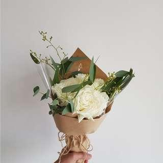 🚚 [Cheap af.] $5 only. <Sold out> 3 stalk white rose bouquet with matching leaves.