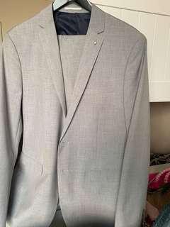 Light grey Politix suit
