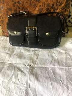 Preloved Authentic DKNY Bag! Comes with dustbag!