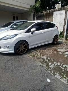 Ford fista tipe S AT