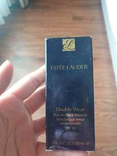 "Estee Lauder Foundation ""sand"""
