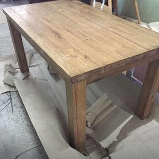 Teck table with tempered glass