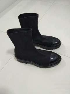 🚚 Zara boots