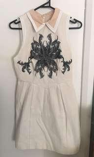 Cameo embroidered dress size small 8