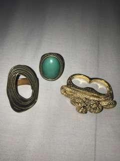 ASSORTED RINGS