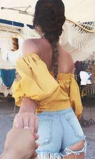 🚚 Mustard yellow shoulder off top