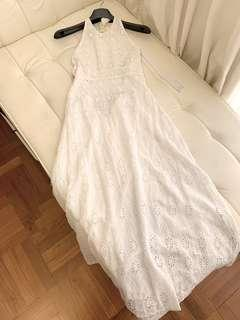 🚚 Zara Halter Embroidered Eyelet White Lace Dress