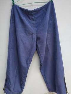 Celana Bahan Biru