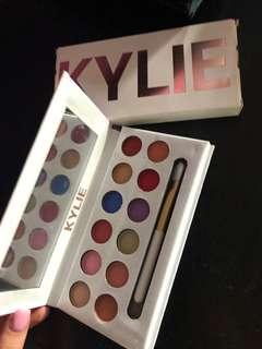 Kylie peach pallet