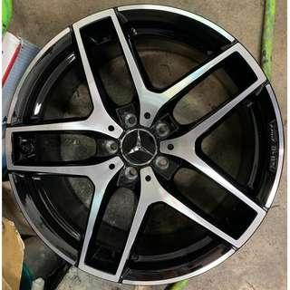 "19"" OEM Mercedes Benz GLC rims (staggered)"