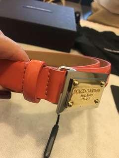 D&G patent light peach belt