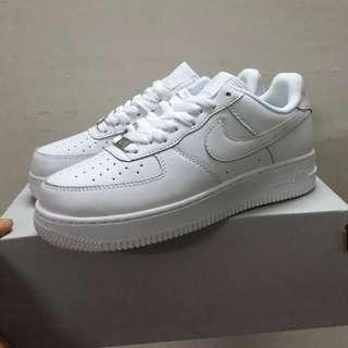 🚚 Ready Stock Uk7 Euro41 Nike Air Force 1