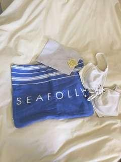 Seafolly beach pillow inflatable