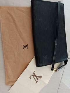 🚚 Authentic Louis Vuitton bag