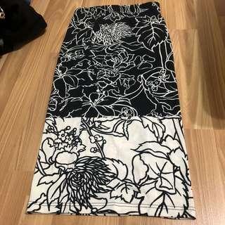 🚚 Topshop Floral Midi Skirt