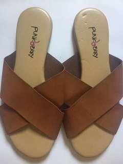 X Strap sandals sz 6