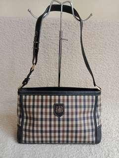 Aquascutum shoulder bag