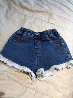 Lace short pants