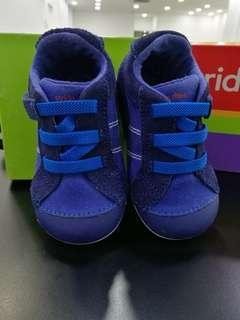 Stride Rite shoes for toddler (UK5.5)
