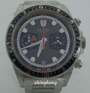 🚚 Tudor Heritage Chronograph 70330N
