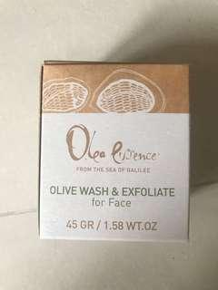 🚚 Olive wash & exfoliate for face