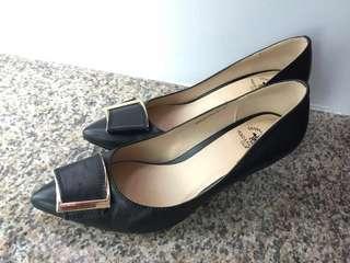 全新 黑色 高雅 高跟鞋