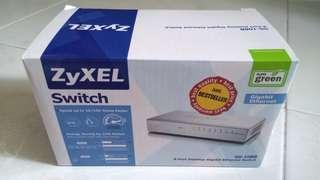 8-ports Zyxel Gigabit Switch
