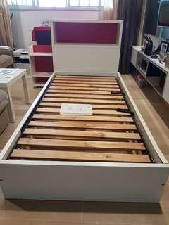 🚚 Ikea Single Bed Frame n Head Board