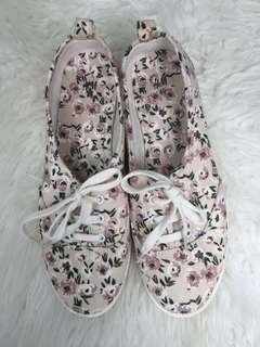 H&M Shoes size 42
