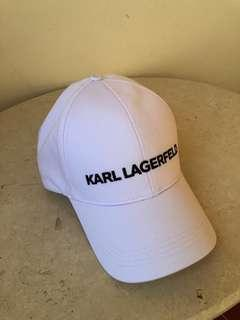 🚚 Karl Lagerfeld adjustable Cap . Unisex . One size