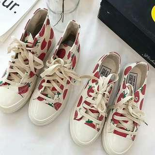 🚚 Ins strawberry 🍓 canvas shoes