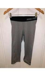 Nike Pro grey 3/4 tights small