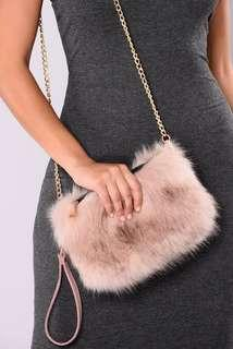 Fashionnova mauve fur chain clutch