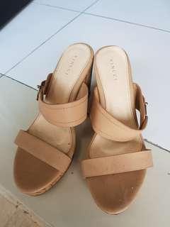 Preloved vincci heels