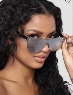 Fashionnova sunglasses pink/gold