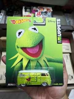 Hot Wheels The Muppets Show Volkswagen T1 Panel Bus (Kermit)