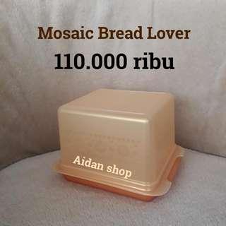 Mosaic Bread Lover