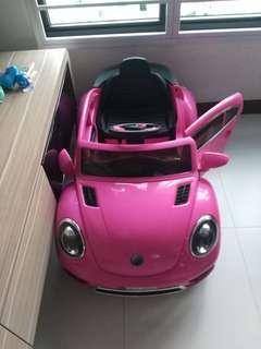 Kiddie pinkie car
