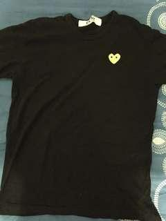 80% new cdg play tee ( size L )