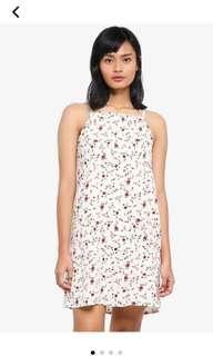 🚚 Cream floral dress