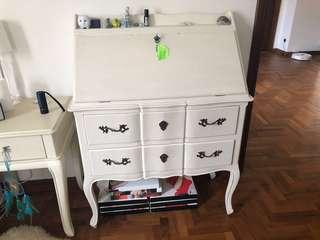 🚚 French writing table