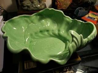 荷葉捲波紋青瓷盤