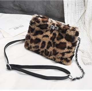 Ladies sling bag faux fur