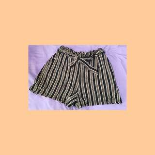🚚 Pull & Bear Striped Shorts