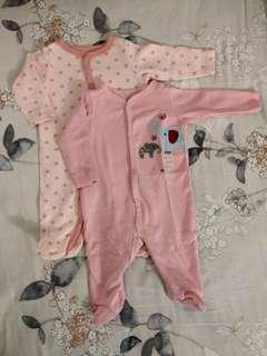 🚚 2 Sleepsuits for $6 (0-3mth)