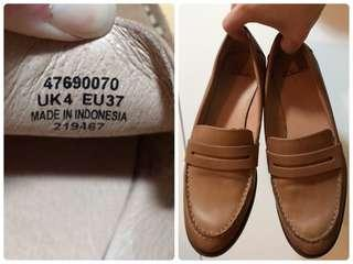 Clarks 女裝皮鞋