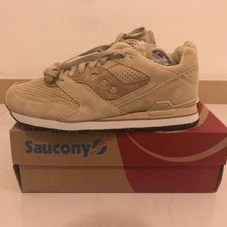 Saucony 啡色波鞋