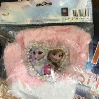 Disney frozen 冰雪奇緣毛毛手套一對