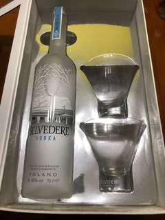 🚚 Belvedere vodka (Brand new) with whiskey glass complimentary